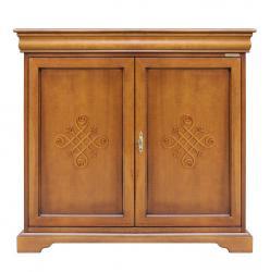 Aparador estilo Luis Felipe con frisos en madera