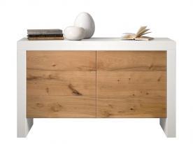 Aparador bajo con patas en madera estilo moderno