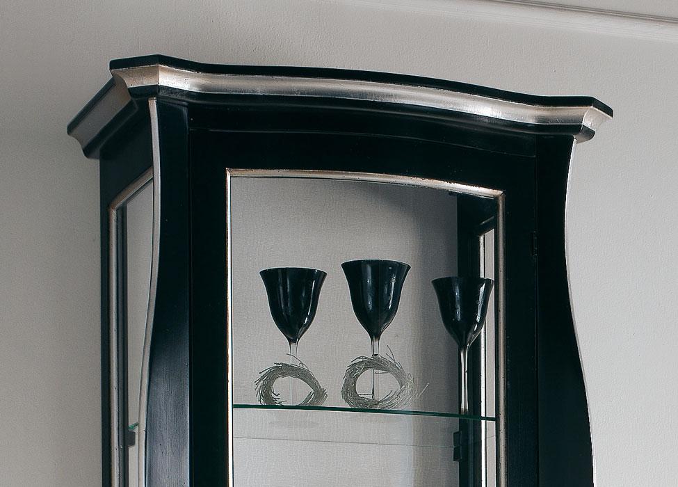 Vitrina laqueada negra decoraciones plateadas prixdoo for Espejos rectangulares plateados