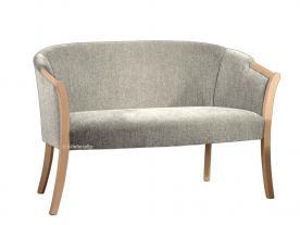 Sofá estilo clásico en madera natural