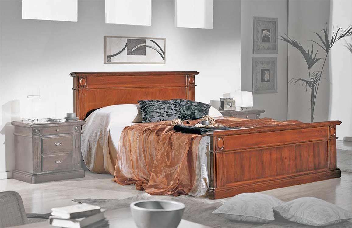 Cama matrimonial clásica de madera para dormitorio clásico
