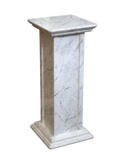 pedestal de madera, pedestal acabado mármol, mueble de madera, pedestal por macetas, mueble artesanal Arteferretto