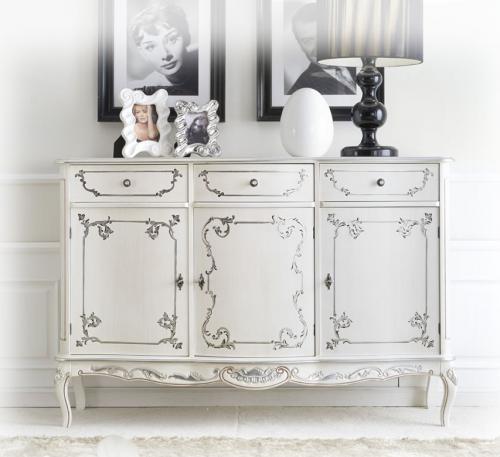 aparador clásico decorado, aparador de madera, aparador estilo clásico, mueble de comedor,
